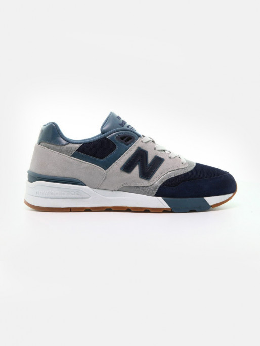low priced 3ceef 861e1 New Balance 597 Classic Shoes