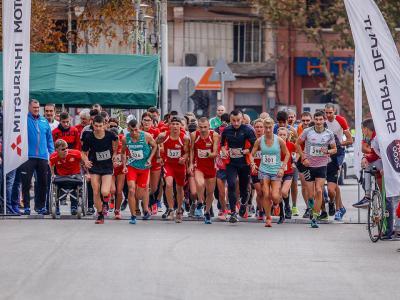 """RUN BULGARIA: Финалното състезание """"Луковит рън"""""""