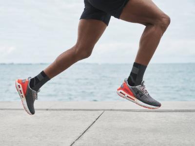 HOVR Mega 2 Clone: обувки за бягане, които ти прилягат